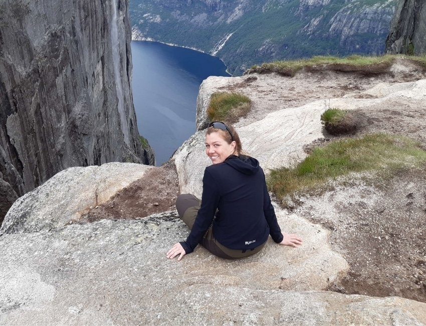Anna Bregendahl ved klippekant