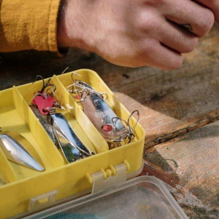 En kasse med fladfiskeforfang