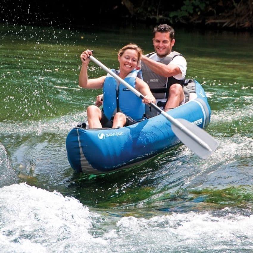 Par på kano tur