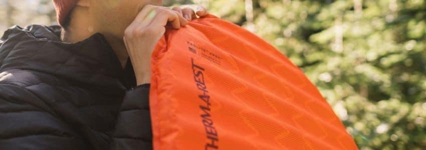 Orange letvægts liggeunderlag