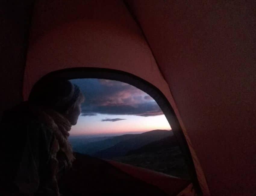 Inde i telt med Line Skov