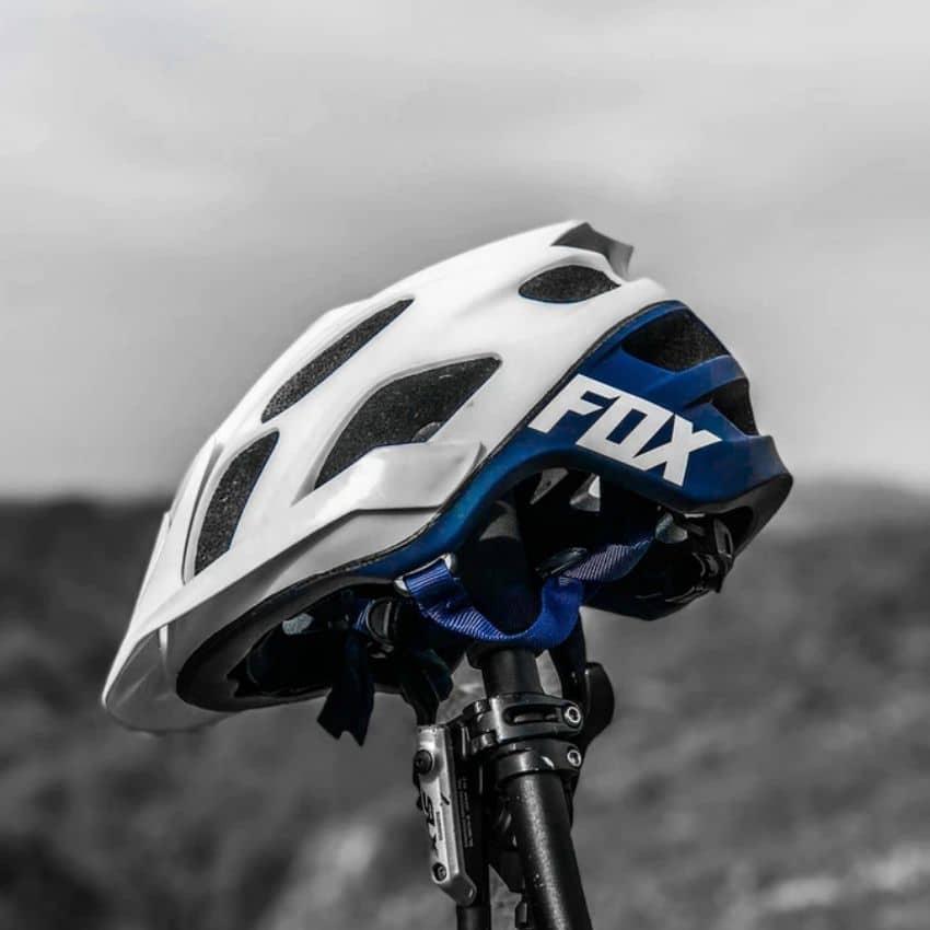 Hvid MTB hjelm