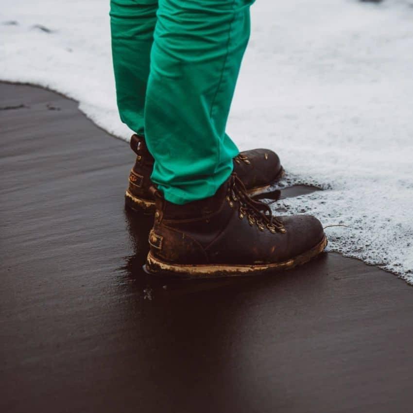 Brune støvler til vinterfriluftsliv