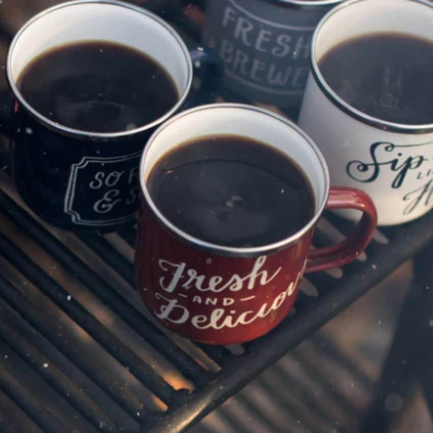 Varm drik til vinterfriluftsliv